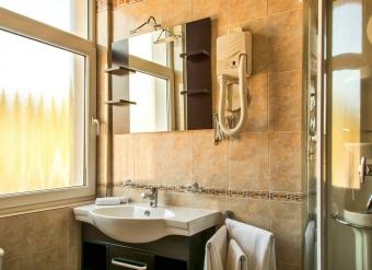 Kupelna-v-Apartmane-Ludovit-XIV-v-Palace-Hotel-Polom-v-Ziline-2