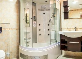 Kupelna-v-izbe-standard-1-lozkovej-izbe-v-Palace-Hotel-Polom-v-Ziline-2